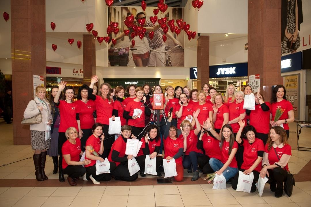 Pagalbos moterims linijos kolektyvas